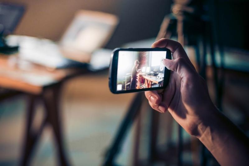 מהטלפון למסך - צילום ועריכה בטלפון הנייד